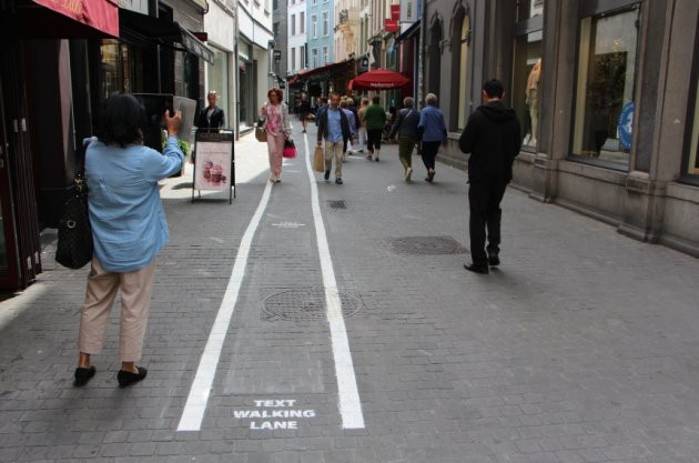 text walking line anvers belgique texto sms