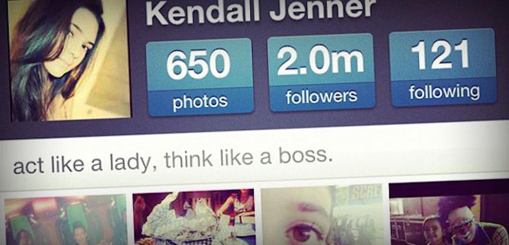"""Summum de la mise en abîme : le compte de Kendall Jenner, pris en capture d'écran puis reposté sur Instagram avec un filtre de couleur... comme le dit l'expression consacrée, il y """"à boire et à manger"""" sur Instagram :) !"""